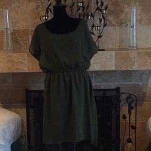 Dresses & Skirts - NWOT Cute olive dress